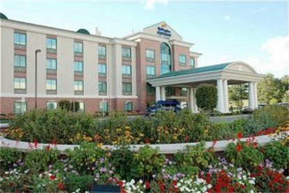 Holiday Inn Express And Suites Warwick