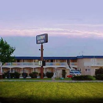 Rushmore Inn & Suites