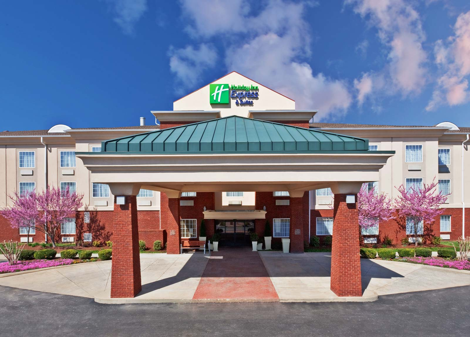 Bonnaroo Music Festival Hotels