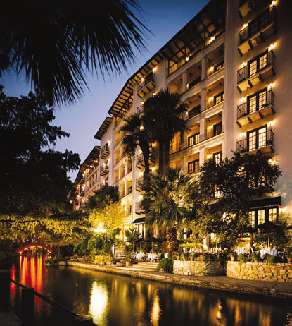 San Antonio Riverwalk Hotels