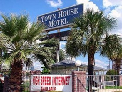 Town House Motel Airport