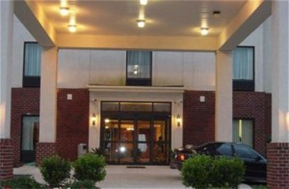 Holiday Inn Express Hotel & Suites Petersburgh/Dinwiddie