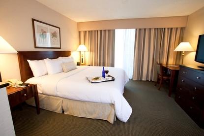 Embassy Suites Hotel Richmond Commerce Center