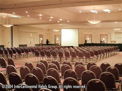 Holiday Inn Select Koger South