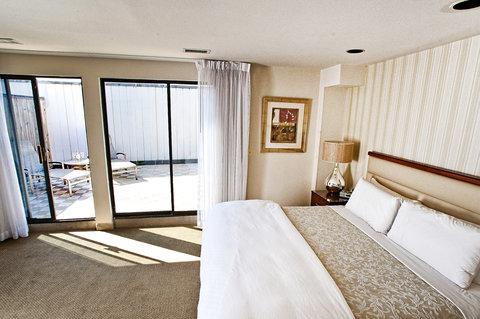 Georgetown Suites Harbour