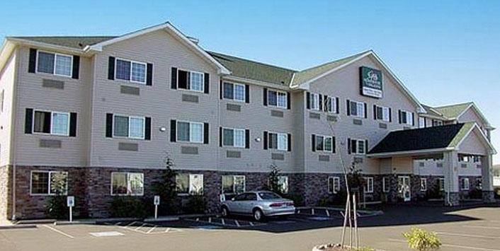 Guesthouse International Inn & Suites   Aberdeen