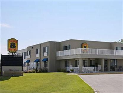 Super 8 Motel   Manitowoc