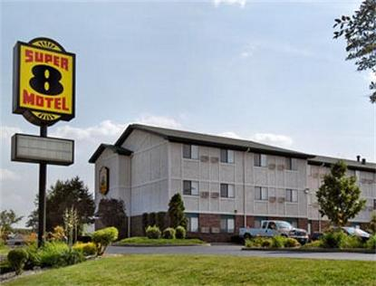 Super 8 Motel   Milwaukee   Airport