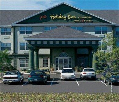 Holiday Inn Express Hotel & Suites Oshkosh Sr41