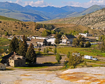 Mammoth Hot Springs Hotel