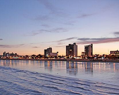 puerto madryn divorced singles El club social y atlético guillermo brown fue fundado el 14 de enero de 1945 en la ciudad de puerto madryn, provincia del chubut, argentina participó .