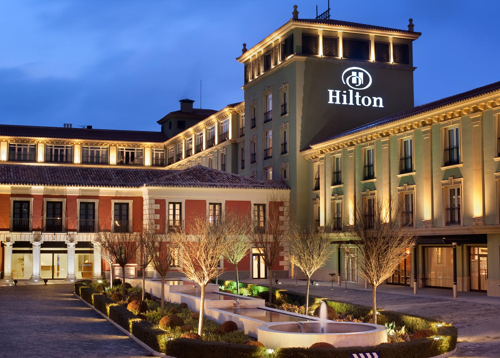 25 for What hotel chains does hilton own