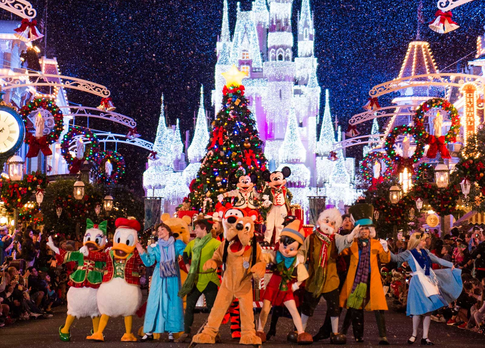Best Christmas Vacations.Disney Christmas Vacation Christmas At Disneyland 2019